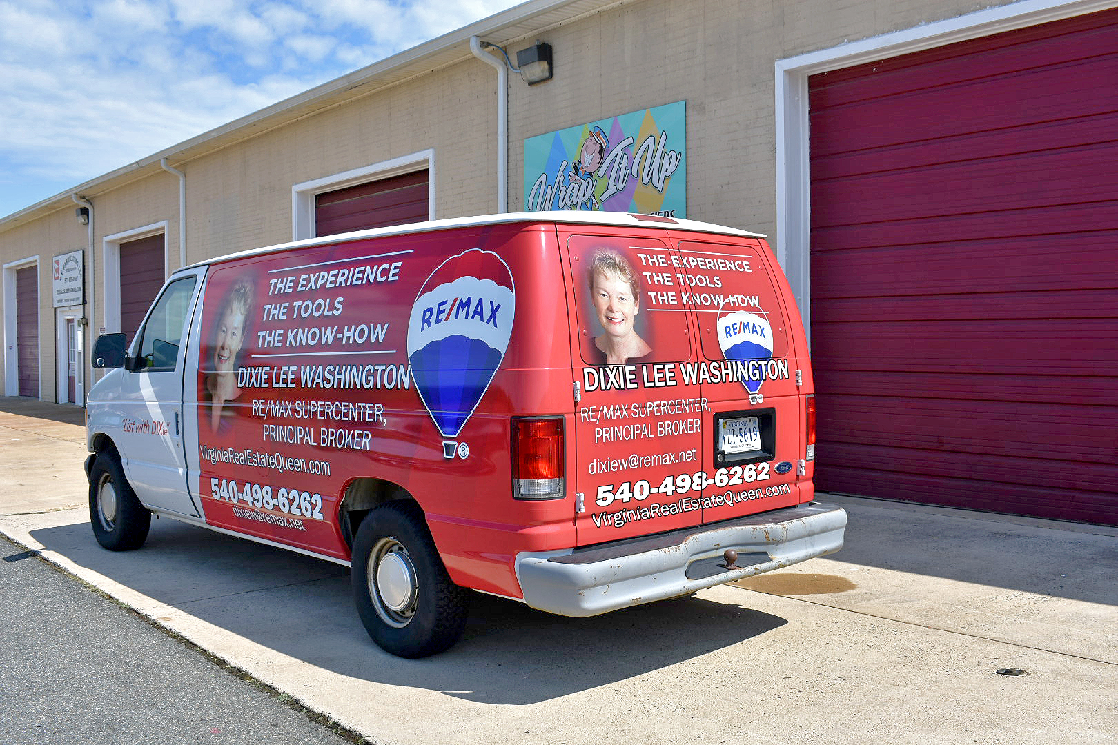 remax-vinyl-wrapped-van2